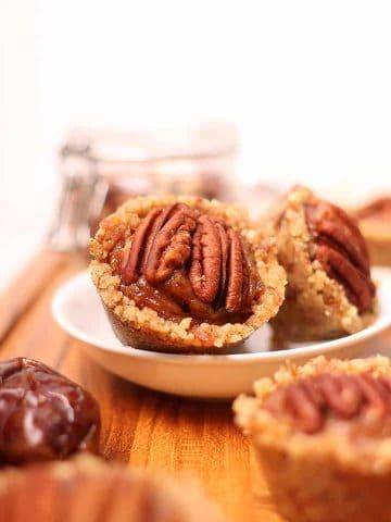 Raw pecan pie tartlets