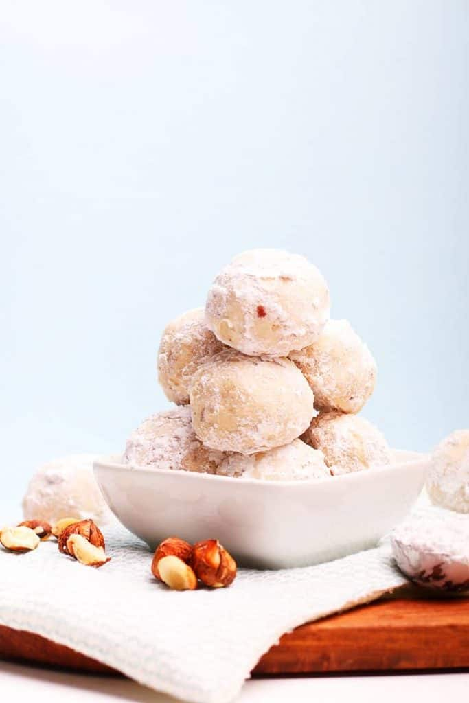 Snowball Cookies with Toasted Pecans