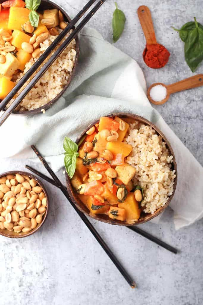 Vegan Pumpkin Curry in two coconut bowls