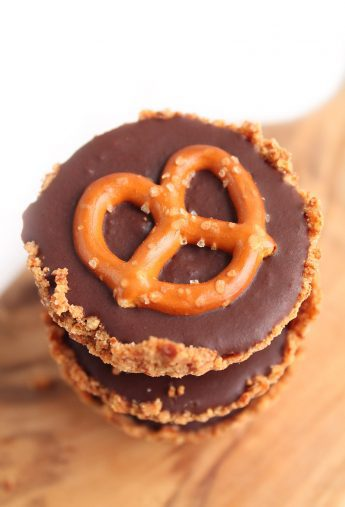 Vegan Chocolate Pretzel Mini Tarts