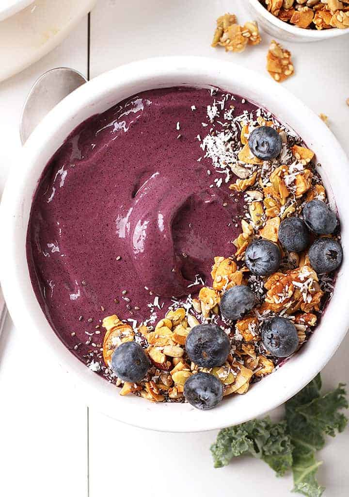 Overhead blueberry smoothie bowl