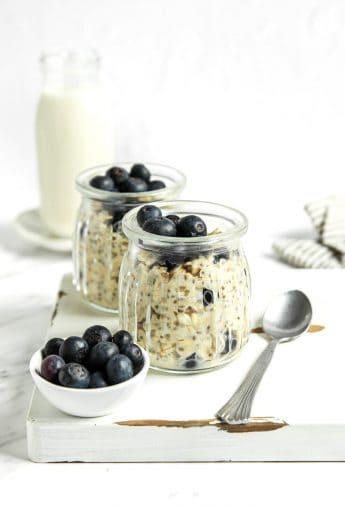 Vegan Overnight Oats w/ Blueberries