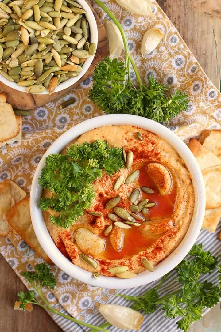 Pumpkin Hummus with pumpkin seeds and parsley