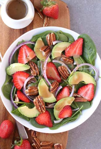 Spinach Strawberry Salad with Balsamic Vinaigrette