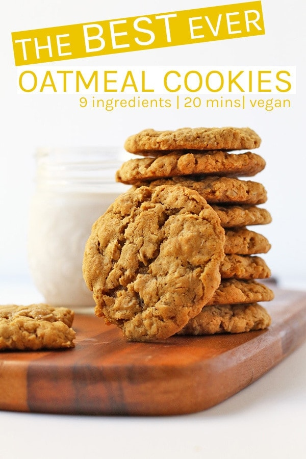Chewy Vegan Oatmeal Cookies with the perfect crispy outside and melt-in-your-mouth caramel-y center. Ready in just 20 minutes for a quick and delicious sweet treat. #vegan #cookies #vegancookies #veganrecipes #oatmealcookies