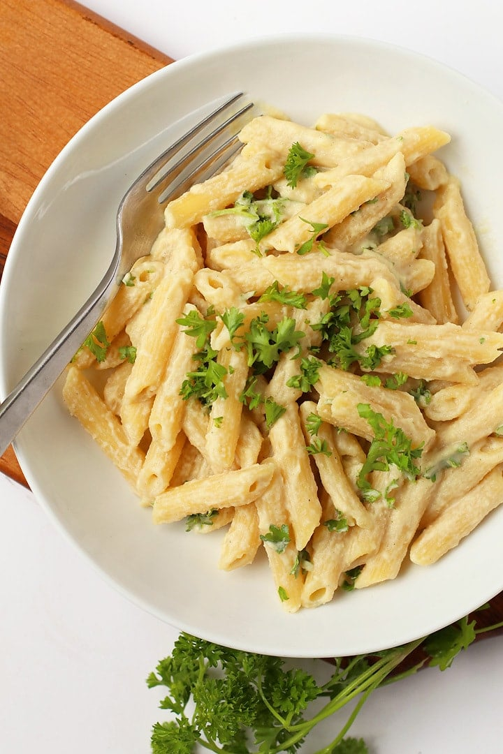 Penne Pasta with Creamy Garlic Sauce