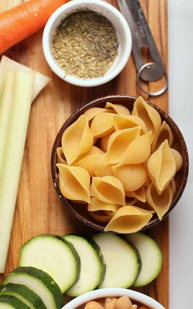 Dry shell pasta with zucchini and herbs