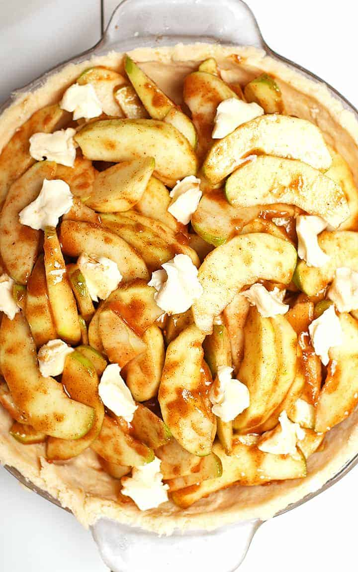 Apple Pie Filling in pie pan
